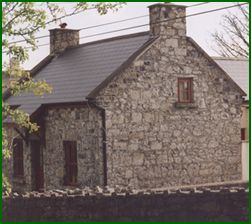 Tigh Eamoin is a restored stone cottage adjacent to Fergus View and available for self catering during the summer months from Saturday to Saturday and at other times of the year by arrangement.